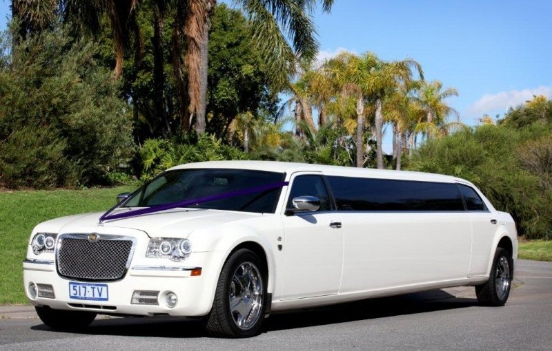 White Chrysler limo Hire Melbourne